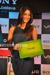 Kareena Kapoor unveils Sony VAIO E Series laptops (3)