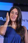Kareena Kapoor unveils Sony VAIO E Series laptops (7)