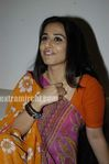 Vidya Balan at Ishqiya Bookmyshow com contest winners event (4)