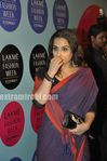 Vidyabalan in saree at 2010 LFW (1)