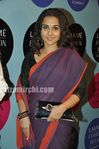 Vidyabalan in saree at 2010 LFW (2)