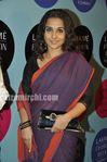 Vidyabalan in saree at 2010 LFW (2)