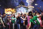 Neil Nitin and Deepika in the movie Lafangey Parindey (10)