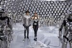 Aishwarya Rai and Rajini in Endhiran the robot movie (4)