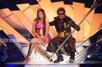 Aishwarya Rai and Rajini in Endhiran the robot movie (8)