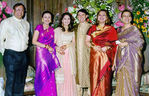 Madhuri Dixit and Shriram Nene at their wedding (2)