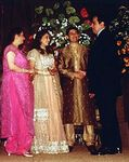 Madhuri Dixit and Shriram Nene at their wedding (5)