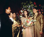 Madhuri Dixit and Shriram Nene at their wedding (7)