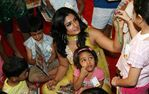 raveena-tandon-at-the-tinker-bell-book-reading