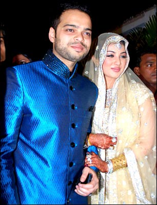 Ayesha Takia And Farhan Azmi Wedding Reception Pictures 3 Indian Bollywood South Movie Photo