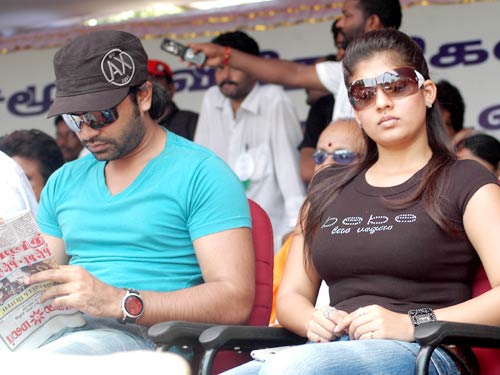 Nayanthara+hot+photos+with+simbu