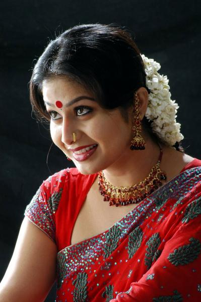http://www.extramirchi.com/gallery/albums/south/actress/sangeetha/Sangeetha_new_(28).jpg