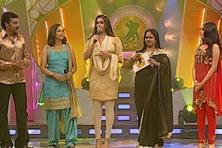 Namitha in Manada Mayilada