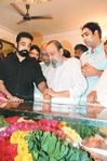 Actor Kamal Hassan pays his respect to actor Nagesh who died due to diabetes and a heart ailment