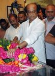 Actor Rajinikanth pays his respect to actor Nagesh who died due to diabetes and a heart ailment