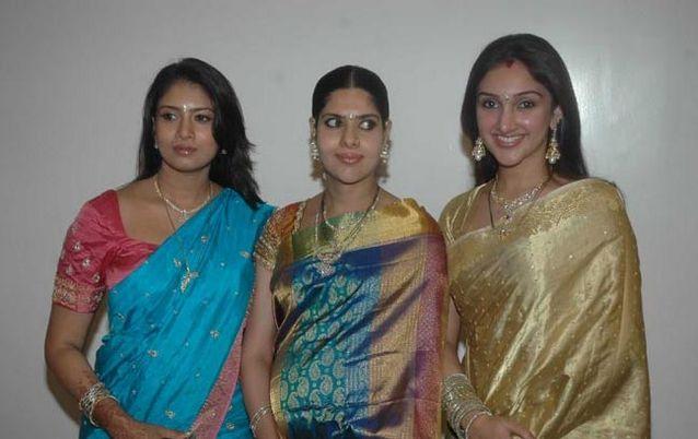 Sangavi At Actress Meena Wedding Reception