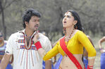 Vijay and Anushka Shetty in Vettaikaran Movie (25)