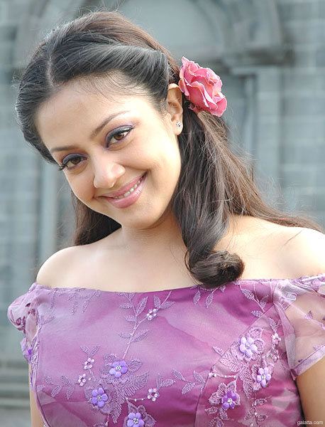 Jyothika - Picture