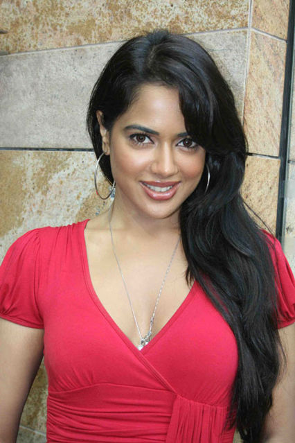 hot and sexy sameera reddy, hot sameera reddy in bikini, hot sameera reddy wallpapers and photos, hot sameera reddy boobs/breasts