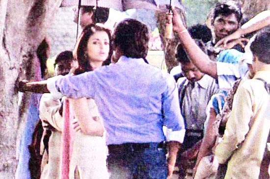 ... and Aishwarya Rai/Endhiran Vellore(VIT) Shooting Spot Leaked Photos