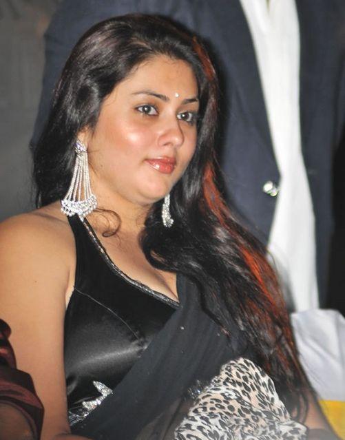 Namitha in Black saree (3) - normal_Namitha_in_Black_saree_(3)