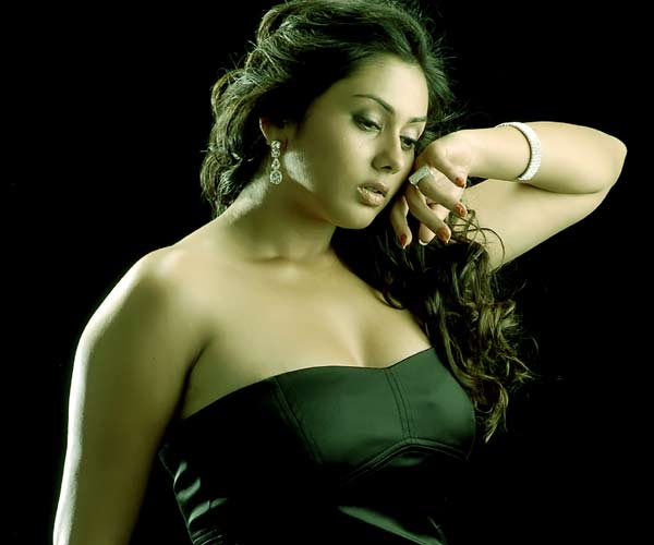 South Hottie Namitha - Mega thread - Page 2 Namitha_indra_vizha3