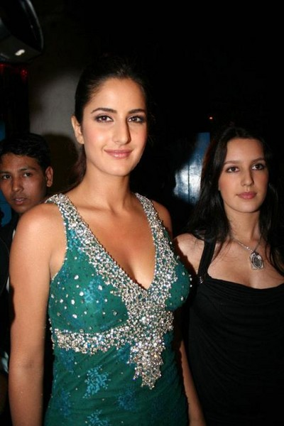 http://www.extramirchi.com/wp-content/uploads/2008/06/katrina-kaif-is-the-sexiest-woman-alive.jpg