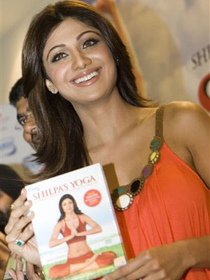Shilpa Shetty promotes her fitness video – Shilpa's Yoga
