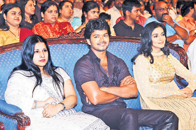 Wife Sangeetha, Vijay and Asin, vijay, actor vijay, Illaithalapathi vijay, Illayathalapathi, rajinikanth, chandrasekhar, trend setter, happy birthday, actors, cinema,VijayPokkiri