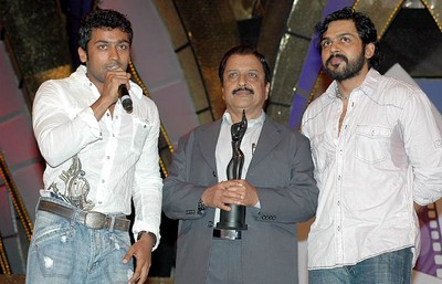 Surya Karthik Sivakumar at Filmfare Awards South,Filmfare Awards South,actor Sivakumar was presented the Lifetime achievement award,Lifetime achievement award Surya Karthik Sivakumar