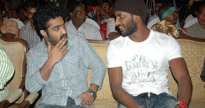 Jr. NTR with Vishal at Salute Audio Release, Salute Audio Release, Sathyam Audio Release