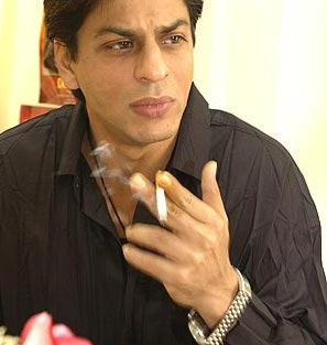 shah-<b>rukh-khan</b>-smoking1 - shah-rukh-khan-smoking1