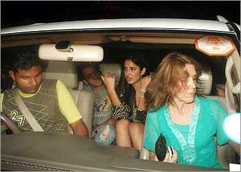why-salman-khan-insulted-shahrukh-khan-at-katrina-kaifs-birthday-party ...