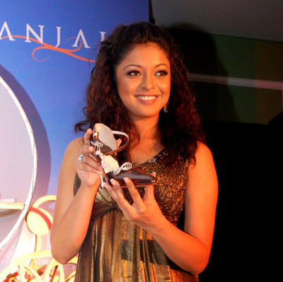 tanushree-dutta-unveils-diamond-studded-shoe.jpg