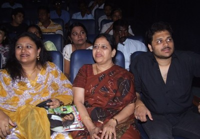 vineetha-at-enga-raasi-nalla-raasi_audio-aunch.jpg