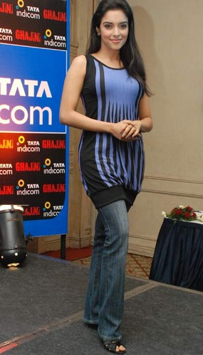 asin-in-chennai-at-ghajini-promotion.jpg