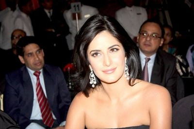 katrina-kaif-at-the-auto-car-awards-2009.jpeg