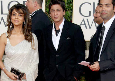 shah-rukh-with-wife-gauri-and-karan-johar-at-the-golden-globe-awards.jpg
