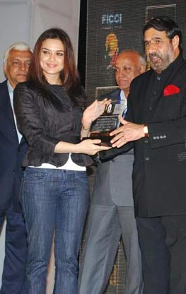 iifa-honored-preity-zinta.jpg