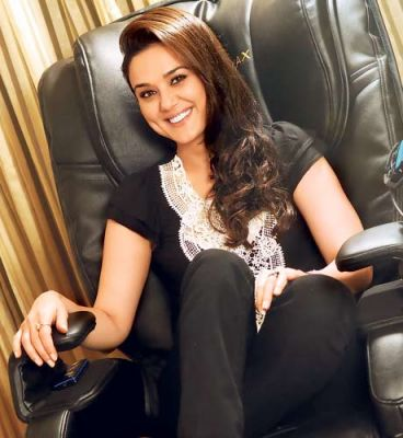 preity-zinta-nominated-best-actress-for-genie-awards.jpg