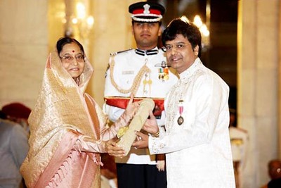 Actor Vivek Received the Padma Shree Award - Photos - extraMirchi.com
