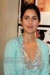 katrina-kaif-without-makeup-real-life-pics2-7