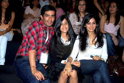 sridevi-with-her-daughter-at-lfw2.jpg