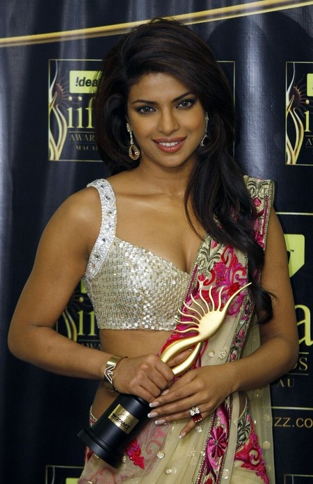 Priyanka-Chopra-at-IIFA-Awards-2009.jpg