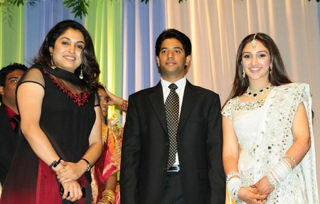 Ramya-Krishnan-at-Sridevi-Wedding-Reception1.jpg