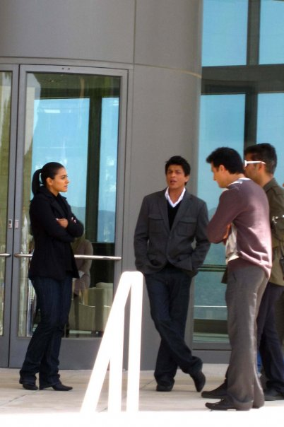 Shahrukh-and-Kajol-My-Name-Is-Khan-shooting-3.jpg
