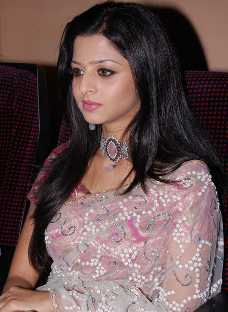 Vedhika-acress-photo-2.jpg