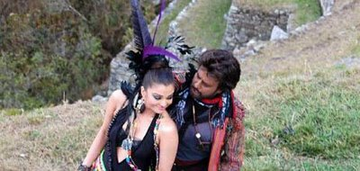 aishwarya-and-rajini-on-the-sets-of-endhiran.jpg