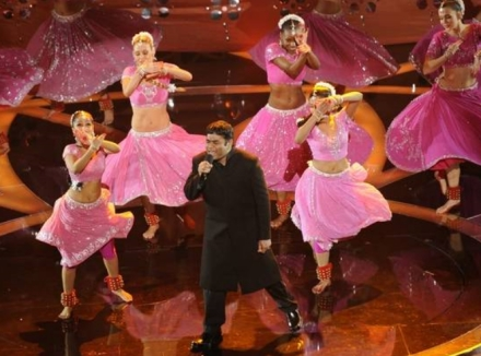 ar-rahman-2009-oscar-performance-photo.jpg