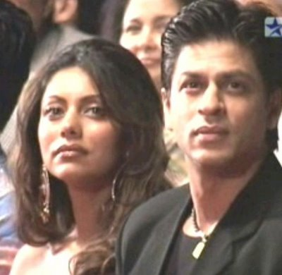 shah_rukh_khan_with_gauri_khan-1.jpg